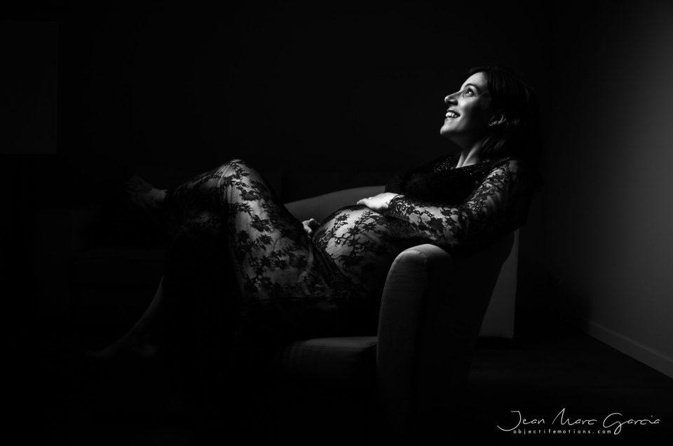 Une séance grossesse en studio à Carcassonne